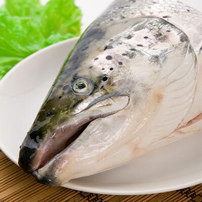 鮭魚頭剖半2入 1200g(免運)